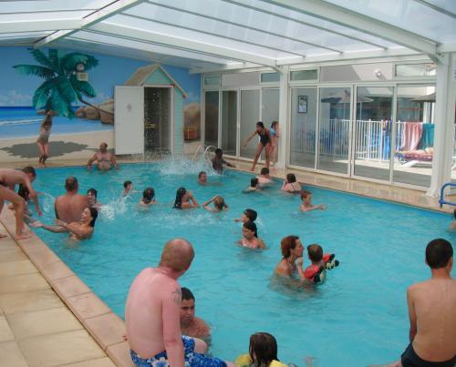 Location camping vend e 85 br tignolles sur mer camping for Camping bretignolles sur mer piscine couverte